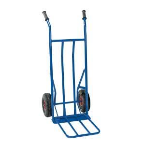 Niebieski wózek magazynowy o kołach pneumatycznych