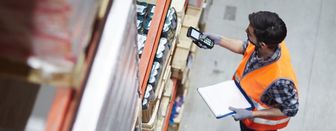 Najlepsze metody rozmieszczania towaru na regałach półkowych w magazynach kompletacji